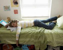 5 hal yang tidak boleh dilakukan saat tidur