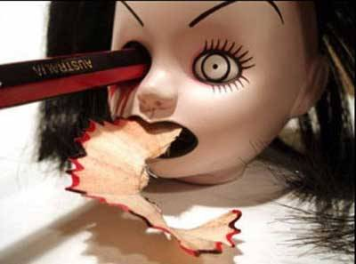 WOOW... dont try this on your young sisters dolls..!!!
