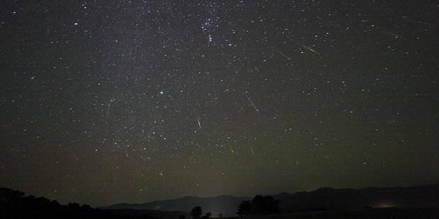 malam ini hujan meteor....!klik WOW