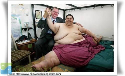 Manuel Uribe Garza yang lahir pada 11 Juni 1965 adalah seorang pria yang memiliki bobot tubuh mnecapai 570 kg dan termasuk ke dalam manusia terbesar di dunia. Pria ini termasuk dalam orang-orang terberat dalam sejarah medis dunia. pria kelhiran