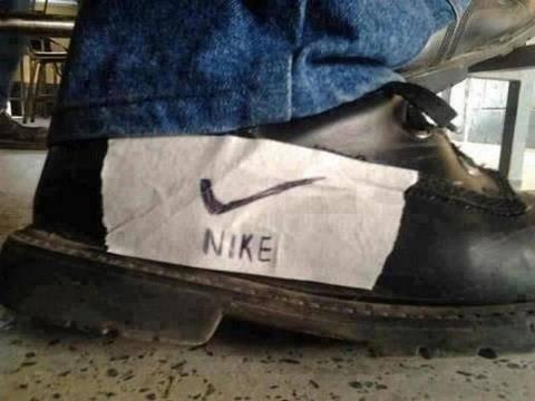 beginilah Kalo tidak bisa beli Sepatu NIKE :D :D :D