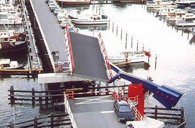 inilah jembatan terunik di dunia WOOOW