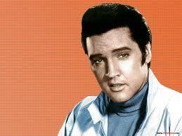 ELVIS PRESLEY penyanyi legenda... bila anda mengklik WOW dan comment ELVIS maka dia akan bicara:cius miapah.