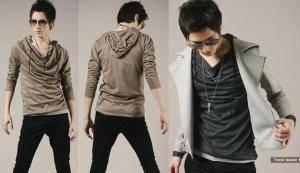 WOW model T-Shirt dengan bahan yang ringan-jatuh, dengan model agak bertumpuk di bagian leher, dan ada jumper yang menyambung. Kesan yang ditampilkan adalah Futuristik dan misterius, apalagi pemilihan warna yang sangat tegas (Dark Grey, Black,