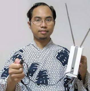 Prof. Dr. Khoirul Anwar adalah pemilik paten sistem telekomunikasi 4G berbasis OFDM (Orthogonal Frequency Division Multiplexing) adalah seorang Warga Negara Indonesia yang kini bekerja di Nara Institute of Science and Technology, Jepang.
