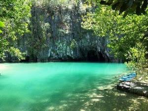 WOW Puerto Princesa Sungai Bawah Tanah (Filipina) Puerto Princesa Sungai bawah tanah Taman Nasional terletak sekitar 50 km sebelah utara Kota Puerto Princesa, Palawan, Filipina. Ini fitur karst batu kapur lanskap gunung dengan km 8.2. dinavigas