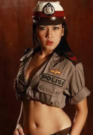 WOW!!! Polwan sexy!!! Di kenyataan ada juga nggak sih polisi yang kayak begini??? WOW nyaaa yahhh~