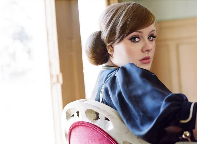 niih kasih artis yang cantik.. Ia seorang penyanyi jazz dan soul yang memiliki suara kontra alto. Selain menyanyi, Adele juga mempunyai kemampuan untuk mencipta sebuah lagu. Sungguh luar biasa bukan??? Jangan lupa klik WOW nya :D