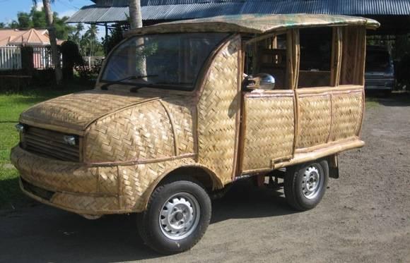 inilah mobil asli Indonesia .. Harga lebih murah dengan mobil sejenis. – 70% cheaper then MPV (7 seater) Hasil karya anak bangsa. 90% bahan dari alam bisa daur ulang (recycle) wow