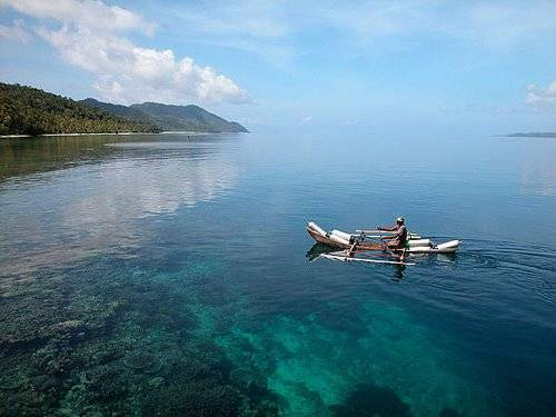 Bangga banget yah gank Indonesia punya Raja Ampat di Irian Jaya sana. Coba deh lihat adventure nya Summer...