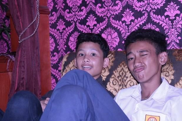 orang paling ganteng di indonesia ada anak bogor , jangan lupa WOW nya heheh e