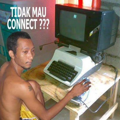 Gambar orang yang ketagihan main Internet