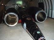 mobil super sonik ini bernama thrust ssc dinyatakan mobil tercepat di ddunia.kecepatannya mencapai 1.228km/jam. panjang mobil super sonik 16,5 m, lebarnya 3,7 mdan beratnya 10,5 ton.mobil super sonik ini menggunakan dengan dua mesin jet.