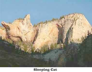 wowww,,, inilah kebesaran allah,,, gunung berbentuk kucing sedang tidurr,,, yang islam harus bilang woww yaaaaa