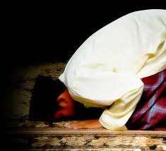 Sholat / shalat selain sebagai ibadah umat islam. Sholat juga berfungsi untuk kesehat