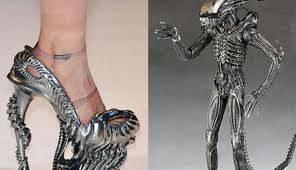 Ini adalah high heels untuk masa depan yg bisa di ubah menjadi robot. Wah, keren abis! Habis liat ini, klik WOW-nya ya! :D