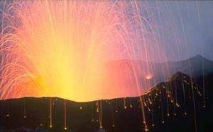 Pada 1815, Gunung tambora di Indonesia meledak dengan kekuatan hampir 1000 mega ton TNT, merupakan ledakan gunung berapi terdahsyat yang direkam dalam sejarah. Ledakan tersebut melontarkan 140 Milyar ton magma dan tidak hanya membunuh 71.000 or