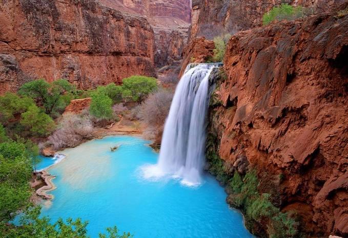 inilah keindahan alam air terjun Havasu , air terjun ini berada di Grand Canyon . WOW nya ya ^^