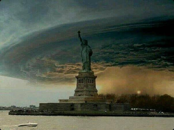 Ketika manusia2 sombong dan angkuh dimuka bumi mencoba mengatur negara lain, menindasnya, menjajahnya, maka inilah salah satu balasan Tuhan yang Maha Adil terhadap negara yang mengaku adi kuasa. Mampukah mereka melawan bencana ini?