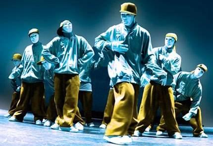 ada yg tau Dance ini ?, ia ini adalah Jabbawockezz tarian ini di perlukan kerjasama yg teliti. Jabbawockez sangat trend di negara Jepang,USA dan negara lain