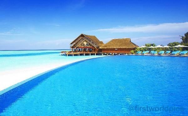 One of the Beautiful Beach in this WORLD! @ Maldives . WOW nya ya! semoga yg ngasih WOW, Kapan2 bisa ke Maldives ,Amiiin.