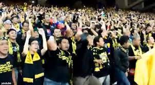 inilah foto sporter malaysia menghina team nas indonesia.... .....mereka bilang indonesia anjing...... inilah perlakuan malaysia terhadap indonesia