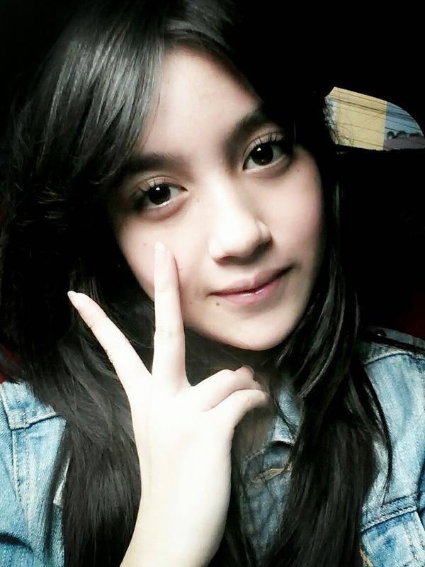 Nabilah JKT48.Cantik,ya ?? kalau cantik,wow-nya mana ??