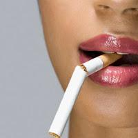 10 Penampilan yang Rusak Akibat Rokok