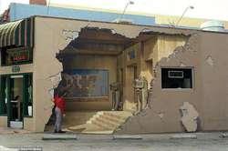Amazing 3D street art by John Pugh.
