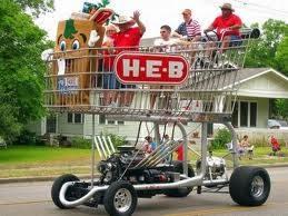 inilah kereta belanja yang terbesar di dunia yang mampu membawa lebih dari 10 orang