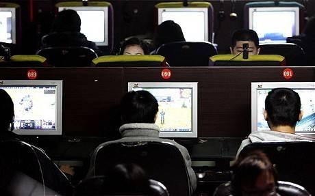 Anak Kecanduan Game, Ayah Sewa Pembunuh Bayaran Online Jengkel menghadapi anaknya yang kecanduan bermain game online, seorang ayah berupaya membunuh anaknya secara virtual. Dia menyewa gamer sebagai pembunuh bayaran untuk membidik putran