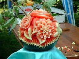 apa kalian bisa mengukir semangka seperti yg di atas? *janganlupaklikWOWyaa :)