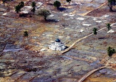 subhahanallah inillah yang terjadi pada saat tsunami aceh 8 tahun yang lalu