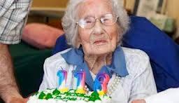 Manusia tertua didunia. Sarah knauss berasal dari jepang dengan usia 116 tahun 237 hari