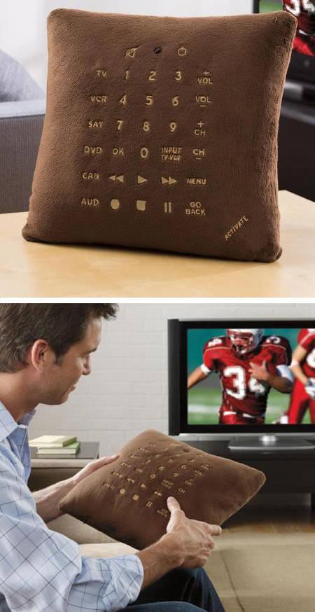 hahaha, kreatif juga zaman sekarang ya, ada juga remote tv berbentuk bantal. jangan lupa wownya ya. :D