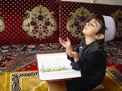 subahannallah masih kecil sudah pandai bedoa kpd allah mudah-nudahan doa nya ter kabul amin klik wow yg banyak ya sobat!!!!