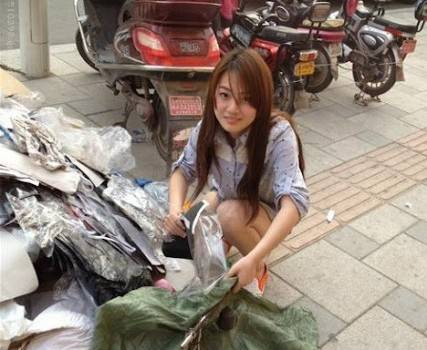Pemulung Cantik Di China..Say Wow for this ... :)