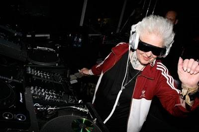 Wow!!! DJ Wanita Tertua Di Dunia