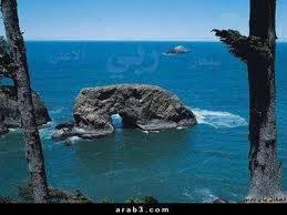 begitu besar kebesaran allah swt.. lihat batu ini yg berbentuk manusia lagi bersujud.. katakan wow jika anda merasa terkesan :)