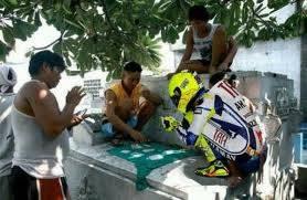2013 BRO Rossi Udah suka maen Kartu Gapleh daripada balapan katanya takut jatohhh wkwkwkwkw