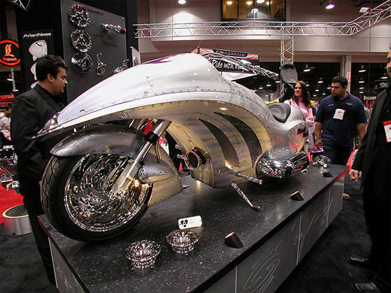 Sepeda Motor Masa depan yang berbahan Cokelat