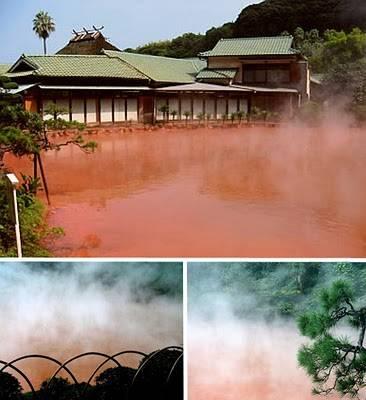 Blood Pond Hot Spring adalah salah satu neraka (jigoku) di Beppu, Jepang, sembilan sumber air panas alami yang menakjubkan untuk dilihat daripada mandi/berendam . Jangan lupa WOWNYA