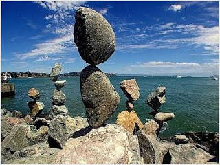 WOW...!! Batuan Seimbang yang Aneh Bin Ajaib....