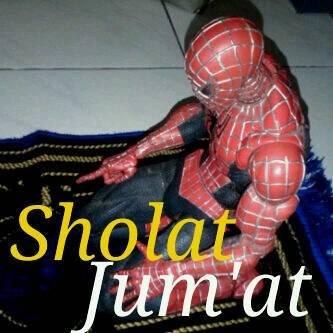patut ditiru ini gais,, spiderman sudah memberi contoh kepada umat muslim untuk sholat,, kalo mau seperti spiderman ini, klik wowwnya dong,, hehehehe