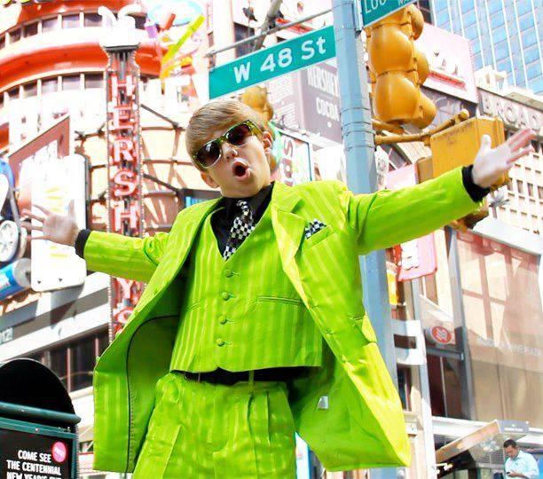 Matty Gangnam Style! :) Anak ini membuat viideonya dii youtube, ia meletakkannya dii sampul depan,. padahal usannnya baru 9 tahunn saat membuat vdeoya itu wo0w. dengan membawakan lagu Gangnam style versi raps. lets play at you tube.