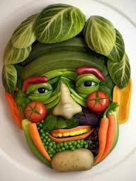 wow,,sayur enggak cuma dimakan lho,nih ada sayur yang dibentuk wajah