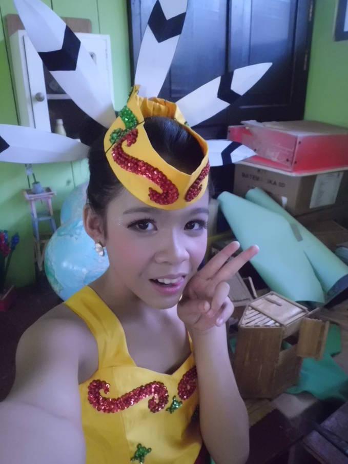 wow yah,pake baju tradisional dayak