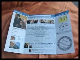 ini kartu undangan kelihatannya unik juga ya, tampak seperti laman facebook. NB : Kalo gue besar nnti mau bikin kartu undangan seperti ini, biar banyak yg dtng