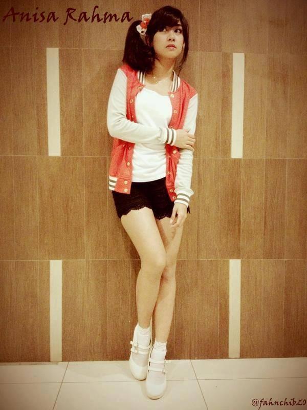 beautiful girl.. :-) mana nih WoW nya.