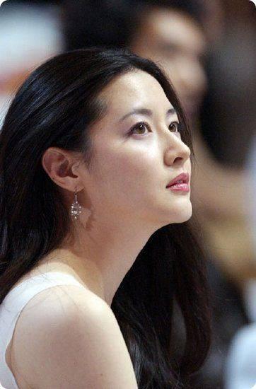 Ada Yanh Tau Nggak Wanita Ini Pemeran Drama Korea Dalam Drama Apa Yaa Kalau tau WAW Nya Ya Gan :)